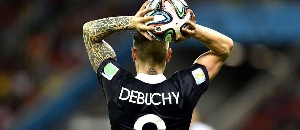 Mathieu Debuchy avec le maillot de l'équipe de France de Football lors de la coupe du monde 2014 au Brésil